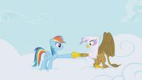 Rainbow and Gilda hoof-bump again S1E05