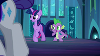 Twilight and Spike recognize Rarity S5E26