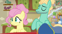 Zephyr gives Fluttershy a new mane style S6E11