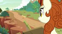 Applejack leaving Autumn Blaze's home S8E23