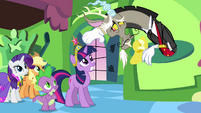 """Discord """"may I take your hats?"""" S03E10"""