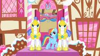 Rainbow teasing the guards S1E22