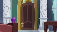 Starlight Glimmer's castle suite door S7E10