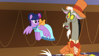 """Discord """"have you seen Fluttershy anywhere?"""" S5E7"""