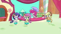 """Pinkie Pie """"figure out what's going on"""" PLS1E3a"""