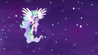 Princess Celestia carrying Starlight Glimmer S7E10