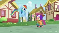 Rainbow Dash greeting Scootaloo S6E7