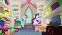 """Rarity """"if they're in fashion right now"""" S8E17"""