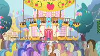 S01E04 Kucyki na placu w Ponyville