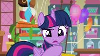 Twilight -then we read the Foal Free Press- S5E19