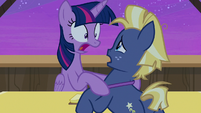 "Twilight Sparkle ""what time is it?!"" S7E22"