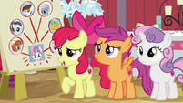 Apple Bloom asks what's going on S8E10