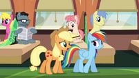 """Applejack """"messed them up somehow"""" S6E18"""