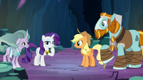 Rarity doesn't have a clue S7E26