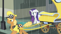 Rarity looking down S4E08