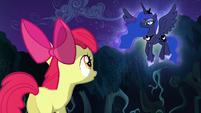 Apple Bloom talking to Princess Luna S5E4