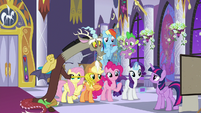 Discord wants something to do S9E17