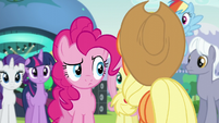 Pinkie looking at Applejack S5E24