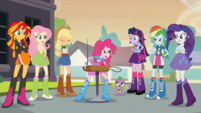 Pinkie offering the theremin EG2