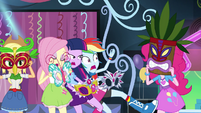 Rainbow surprised by Pinkie's tiki mask EG2