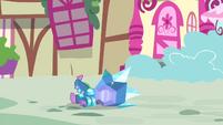 Spike falls over S4E23
