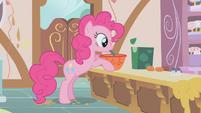 Pinkie Pie stirring S01E12