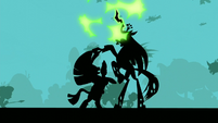 Zecora fights with Queen Chrysalis S5E26