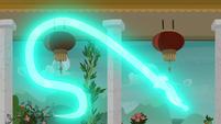 Mistmane's water dragon attacks Sable Spirit S7E16