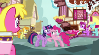 """Pinkie Pie """"giggly feedback is the best kind!"""" S7E14"""