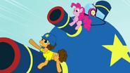 S04E12 Cheese i Pinkie na wielkiej imprezowej armacie