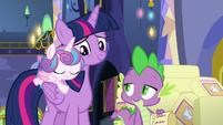 Twilight looks lovingly at Flurry Heart S7E3