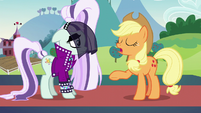 """Applejack """"doesn't give a pickled pippin"""" S5E24"""