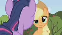 Applejack talking to Twilight S1E4