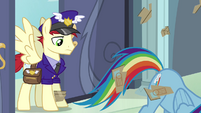 Rainbow Dash tearing open package S4E04
