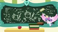 S07E03 Rysunki na tablicy