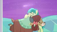 Sandbar and Yona hug under shooting star S9E7