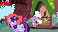 Spike sees Twilight off S03E11