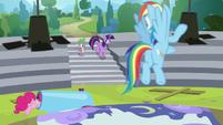 Rainbow sees Twilight and Spike return S8E7
