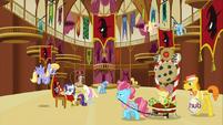 S03E05 Ratusz podczas rządów Trixie