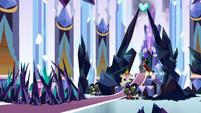 Sombra takes over the Empire throne room S9E1
