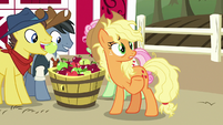 Applejack -friends are like family and whatnot- S7E14