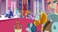 Celestia invites the Pillars to return on occasion S7E26