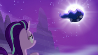 Princess Luna being pulled out of the dream S6E25