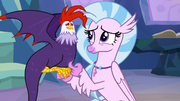 Silverstream befriends a cockatrice S9E11.png