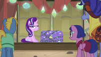 Starlight still sitting next to the trunk S8E19