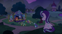 Starlight watches the show from the hill S6E6