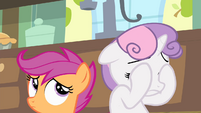 Sweetie closes her eyes S4E17