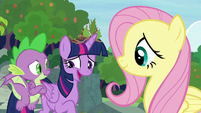 Twilight laughing nervously at Fluttershy S9E26