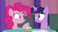"Pinkie Pie ""and strawberries"" S9E16"