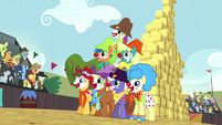 Rodeo clowns form a pyramid S5E6